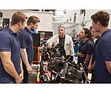 Motor, Lehrling, Erklären, Mechaniker, Ausbilder, Zusammensetzung, Ausbildungsbetrieb