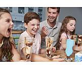 Lachen, Essen, Häusliches Leben, Eiscreme, Familienleben