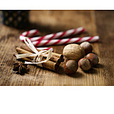 Nuts, Cinnamon stick, Anise star, Sugar bar
