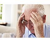 Senior, Kopfschmerzen, Unglücklich, Zweifeln
