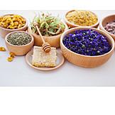 Naturkosmetik, Heilkräuter, Alternative Medizin, Bachblüten