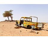 Desert, Car wreck