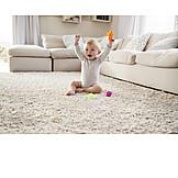 Kleinkind, Spielzeug, Hochhalten