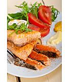 Medium, Fischgericht, Lachsfilet