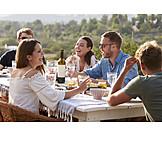 Lachen, Essen, Picknick, Reden, Freunde