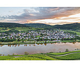 Wine, Punderich, Moselle River