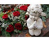 Grabstätte, Rosenstrauß, Engelsfigur