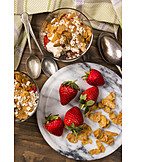 Dessert, Strawberries, Corn Flakes