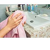 Hands, Toweling