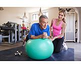 Rentner, Training, Gymnastikball