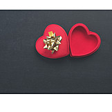 Valentine, Gift