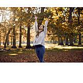 Frau, Herbst, Lebensfreude