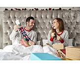 Couple, Christmas, Gift, Unpacking