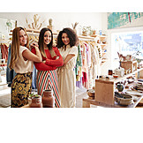 Shop, Team
