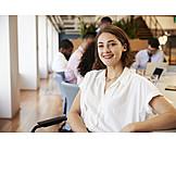 Geschäftsfrau, Lächeln, Büro