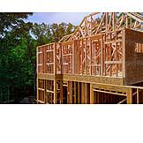 Hausbau, Holzkonstruktion, Holzrohbau