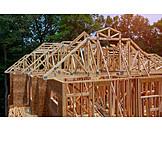 Hausbau, Baustelle, Holzrohbau