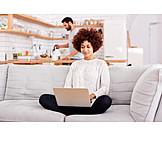 Frau, Laptop, Online