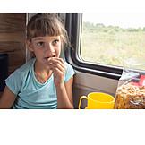 Mädchen, Essen, Zugreise