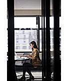 Geschäftsfrau, Arbeiten