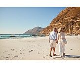 Strand, Urlaub, Seniorenpaar