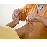 Massieren, Fußmassage, Reflexzonenmassage