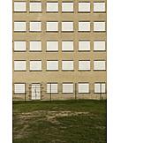 Wohnhaus, Fenster, Verschlossen