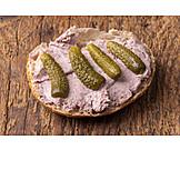 Sandwich, Liverwurst Roll
