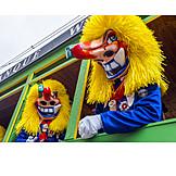 Carnival, Cladding