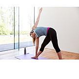 Yoga, Trikonasana