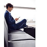Geschäftsmann, Business, Flughafen, Soziale Distanz
