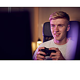 Teenager, Gambling, Video Game