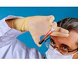 Wissenschaft, Laboruntersuchung, Blutprobe