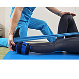 Patientin, Verletzung, Therapie, Krankengymnastik, Physiotherapeut, Therapeut