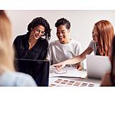 Zusammenarbeit, Meeting, Team, Architekturbüro, Kolleginnen