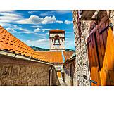 House, Kotor