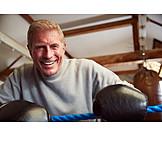 Portrait, Aktiver Senior, Boxer
