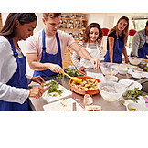 Zutaten, Zubereiten, Kochschule, Teilnehmer, Brotsalat