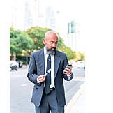 Geschäftsmann, Business, Großstadt, Smartphone