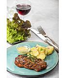 Kartoffelsalat, Grillfleisch, Schweinesteak