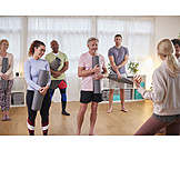 Zuhören, Erklären, Yogagruppe, Yogalehrerin