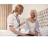 Altenpflegerin, Krankenschwester, Unterstützung, Trost, Hausbesuch