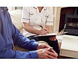 Altenpflegerin, Gespräch, Altenpflege, Hausbesuch