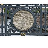 Berlin, Locket, Sluice bridge