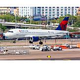 Airplane, Delta Air Lines