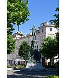 Memorial, Piazza venezia